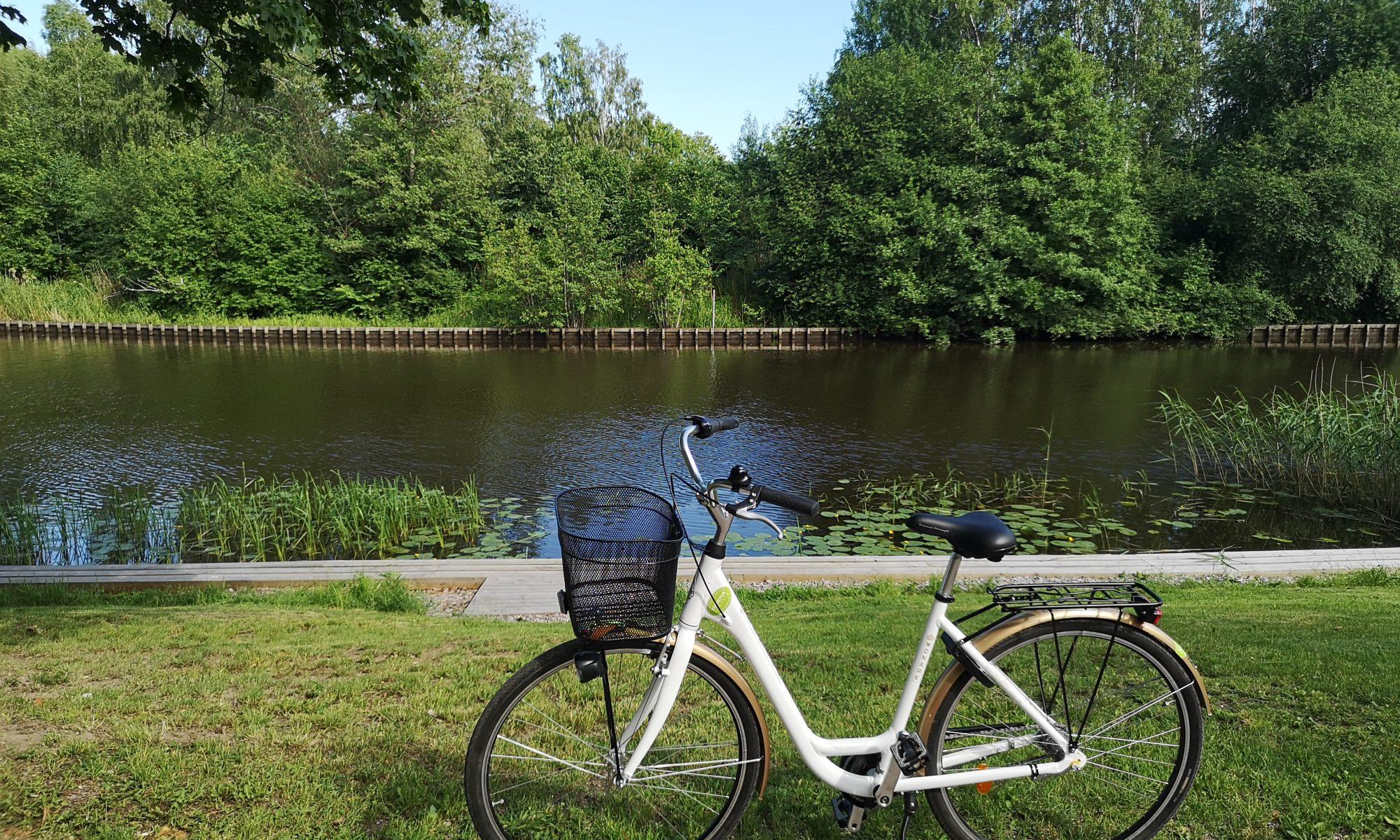 Monark damcykel vid Svartån i Örebro