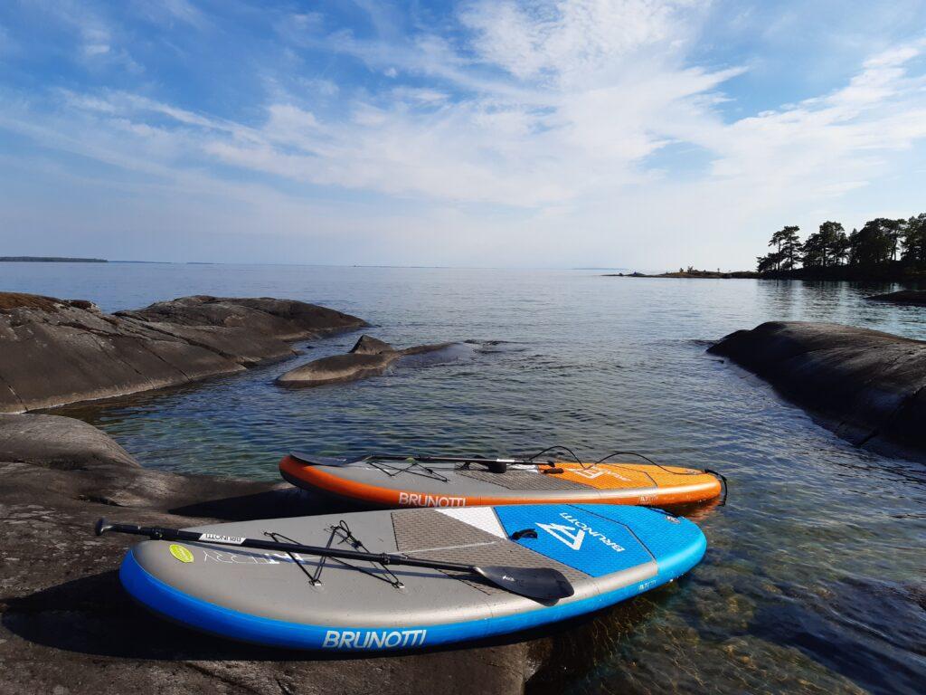 Brunotti sup-boards on lake vättern